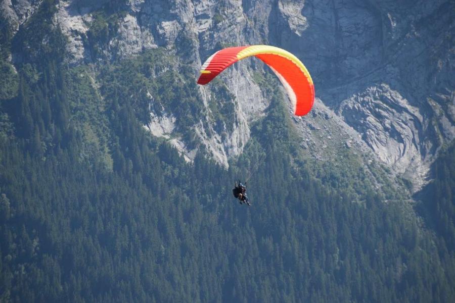 Paragliding in Bhimtal