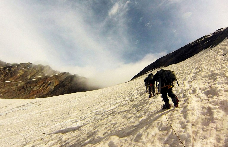 Backpacking trip to Beas Kund and Friendship Peak base camp