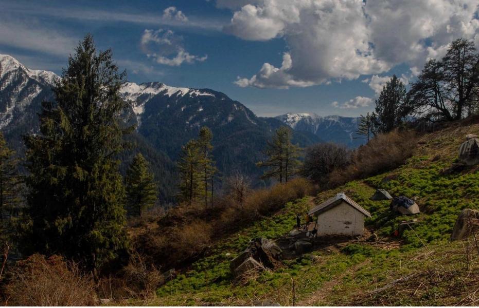 Shilt Hut and Rakhundi trek
