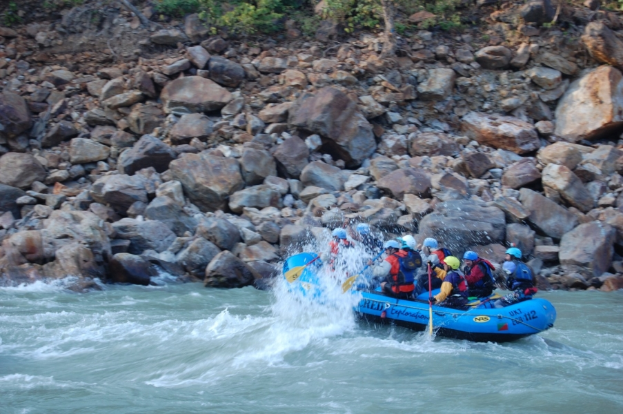 Rafting in Rishikesh – Marine Drive to Laxmanjhula (26 kms)