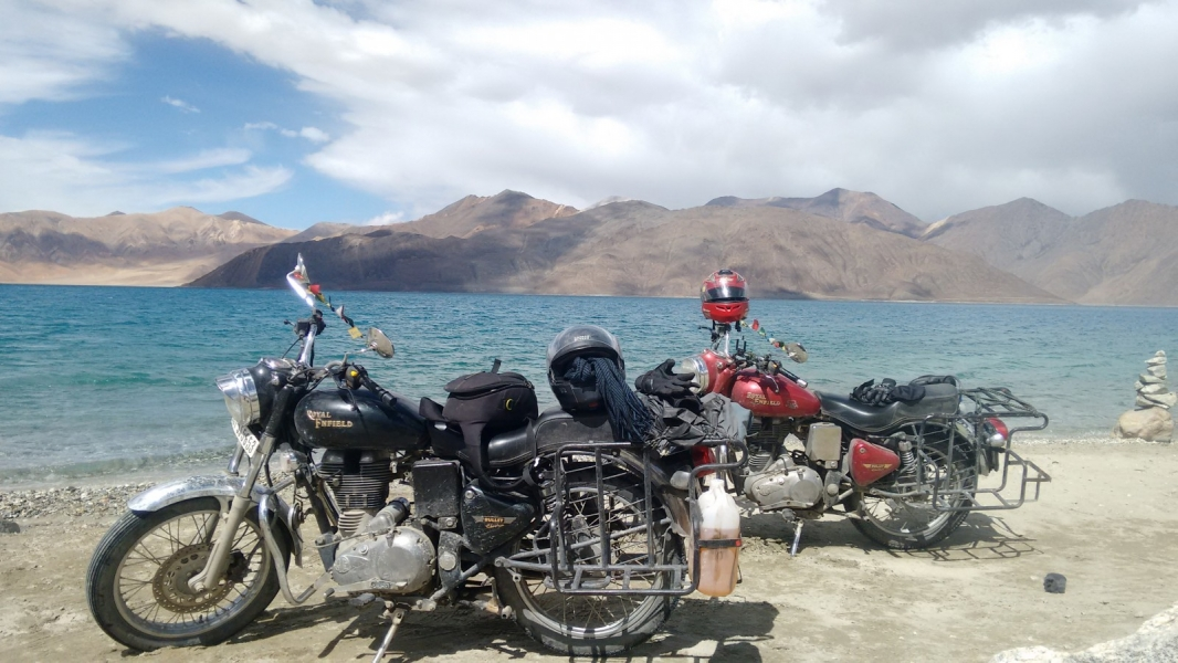 Manali-Leh-Manali Motorbiking