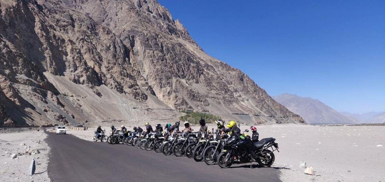 Srinagar-Leh-Nubra Valley-Turtuk-Manali motorbiking (11 days)