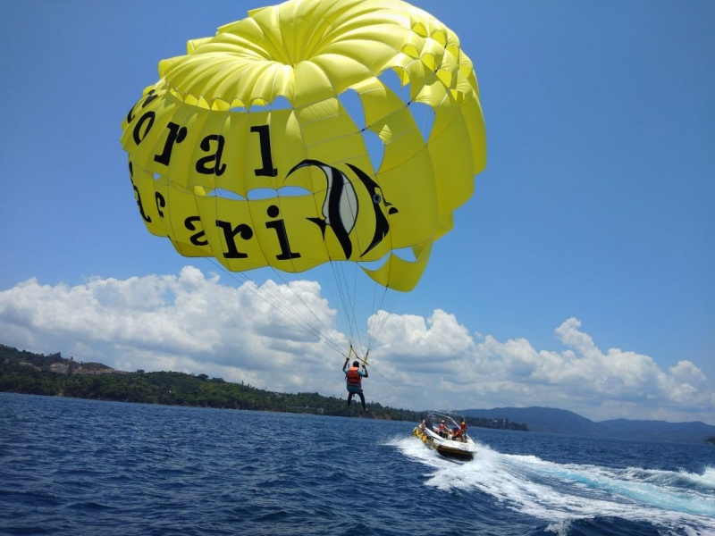 Parasailing in Andaman Islands