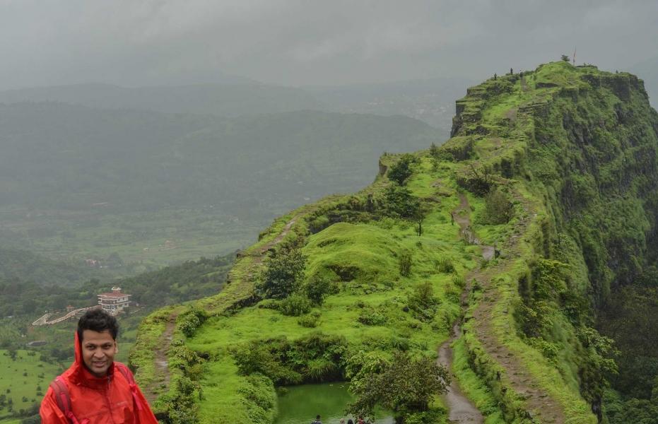 Monsoon day trek to Lohagad