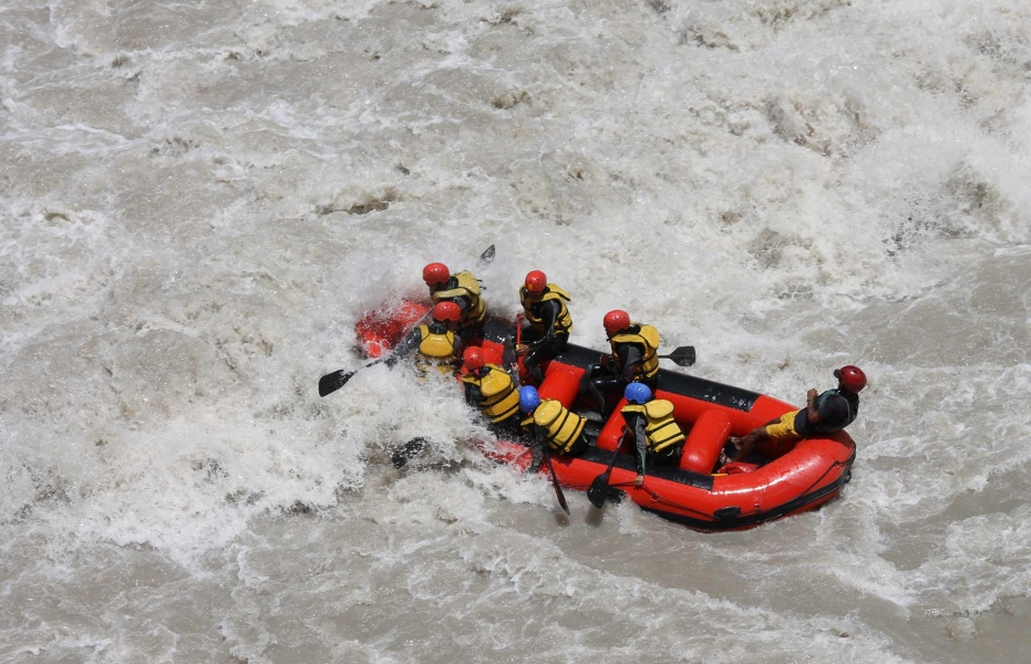 Rafting from Phey to Nimmo on the Indus river