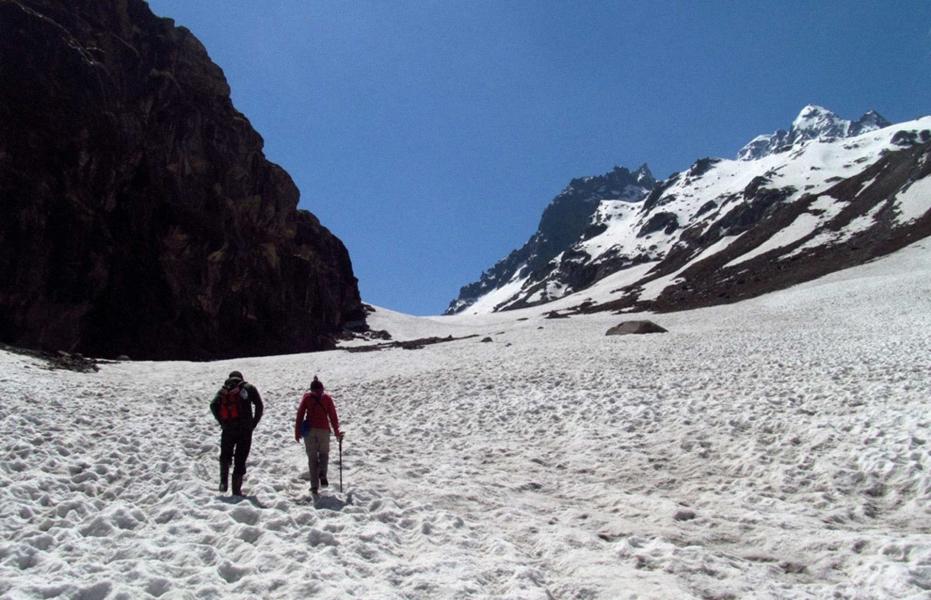 Trek to Hampta Pass and Moonlake
