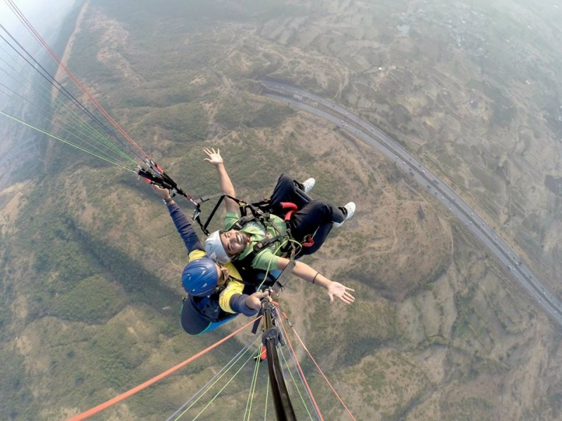 Weekend Tandem Paragliding in Kamshet with Photos and Videos