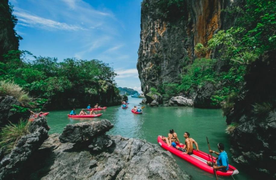 Phang Nga Cave and James Bond Island Canoeing Trip