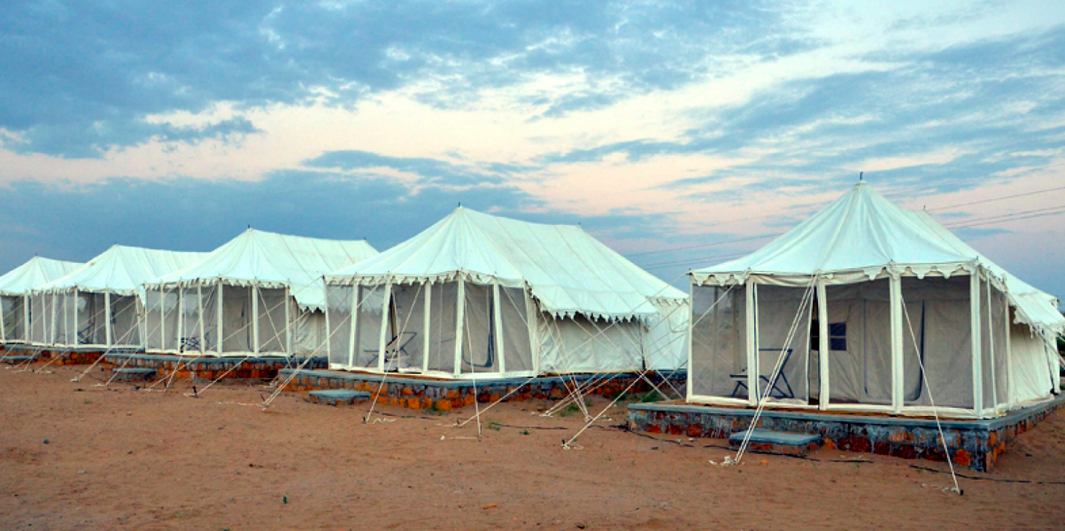 Camping in Jaisalmer (Swiss Tents)
