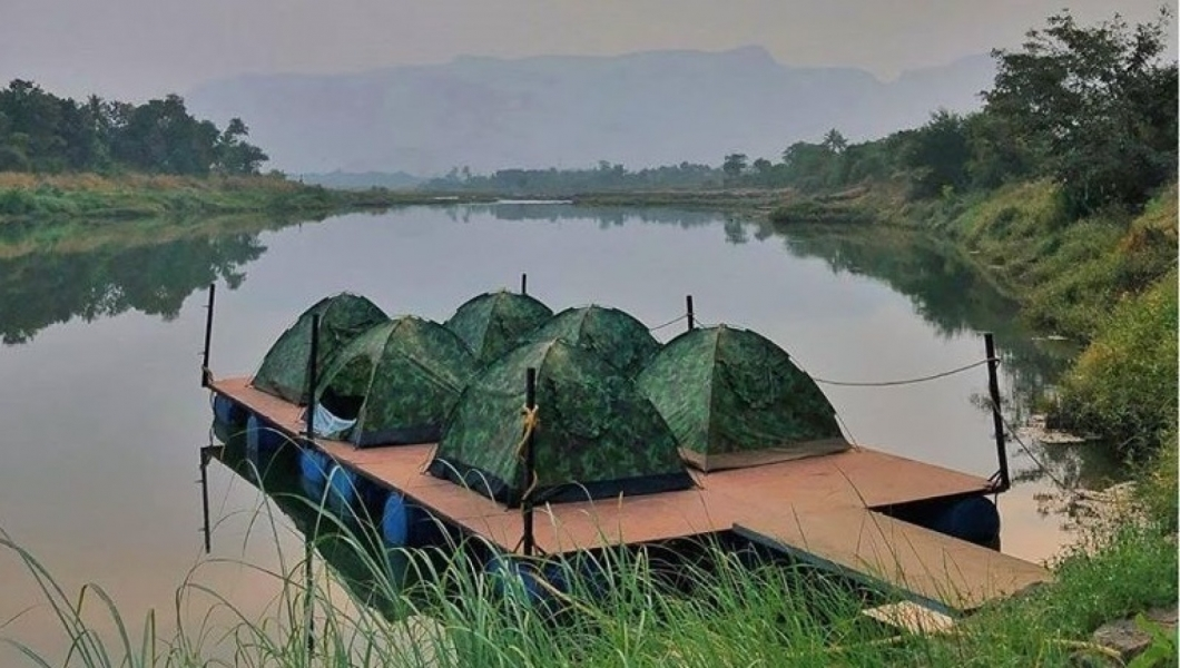 New Year's Special: Camping in Floating Tents, Karjat