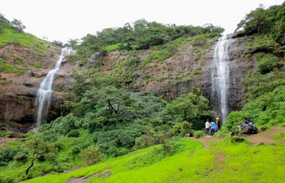 Dudhiware waterfall rappelling at Lonavala