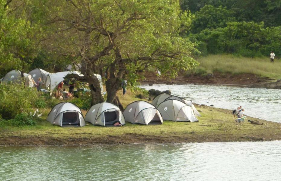 Lakeside camping near Pavna Lake