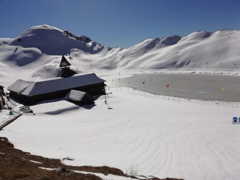 Parashar Lake Trek