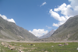 5-day Hampta Pass trek with Chandratal Lake