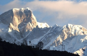 Snow trek to Chopta, Deoriatal, Chandrashila