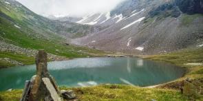 Chandernahan Lakes Trek