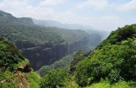 Day trek to Andharban
