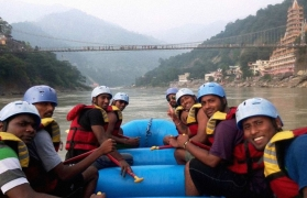 Family Rafting Fun in Rishikesh - 9 kms