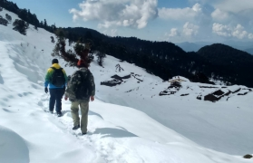Snow Trek to Nagtibba