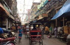 Cycling tour through Old Delhi