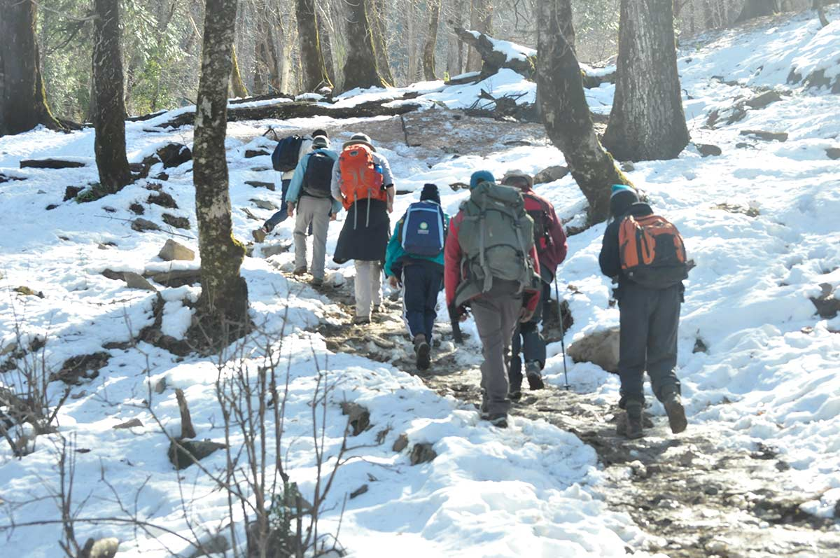 Kedarkantha Backpacking Trekking Adventure Snow Trek Uttarakhand Garhwal