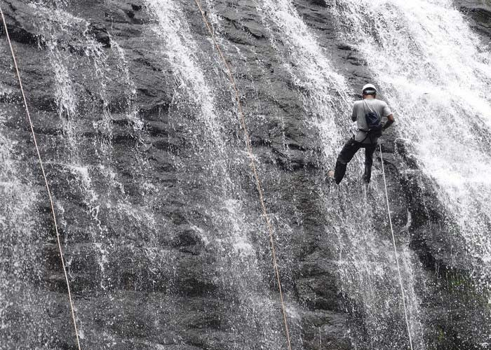 Bekare Waterfall Rappelling Maharashtra Monsoon Adventure Waterfalls The Great Next