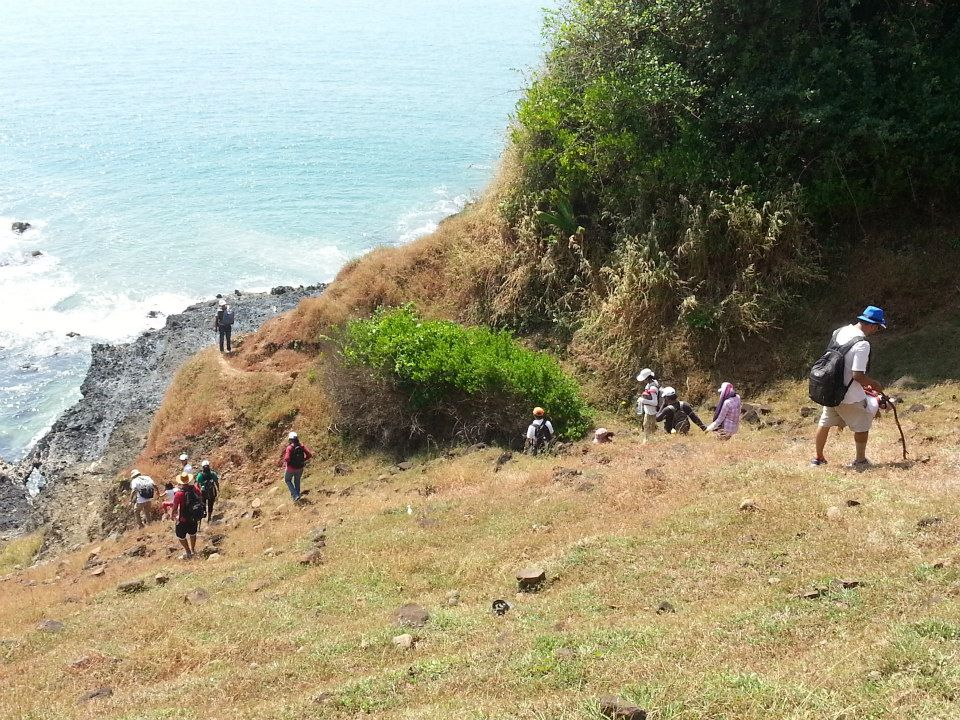 Goa Adventure Trekking Ocean Trek Neuti Hiking
