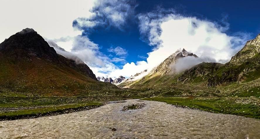 Hampta Pass Trek Himachal Pradesh Adventure Trekking Summer Trek Camping