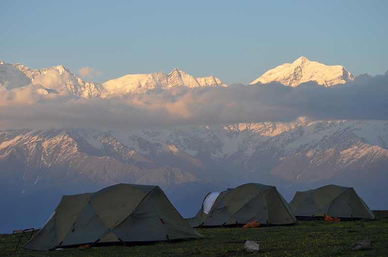 Himalayas Trekking Snow Trek Uttarakhand Adventure Dayara Bugyal Dehradun Trekking