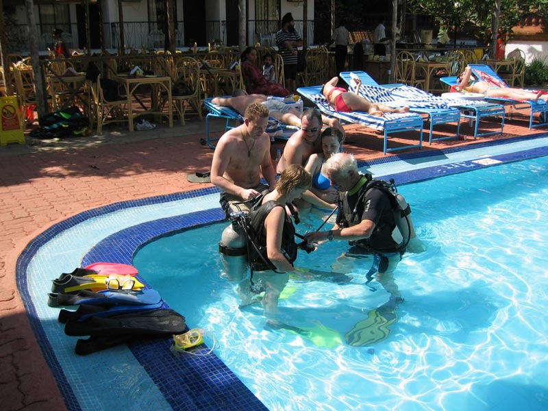 Scuba Diving Try Dive Goa Adventure Sea Pool Tandem