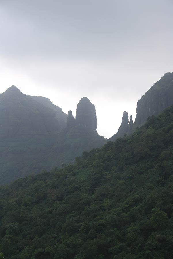 Mahuli Fort Trekking Maharashtra Sahyadri Adventure