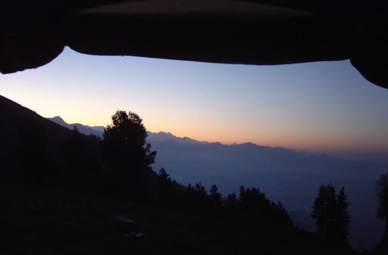 Trekking Khanpari Tibba Himalayas Manali Himachal Pradesh