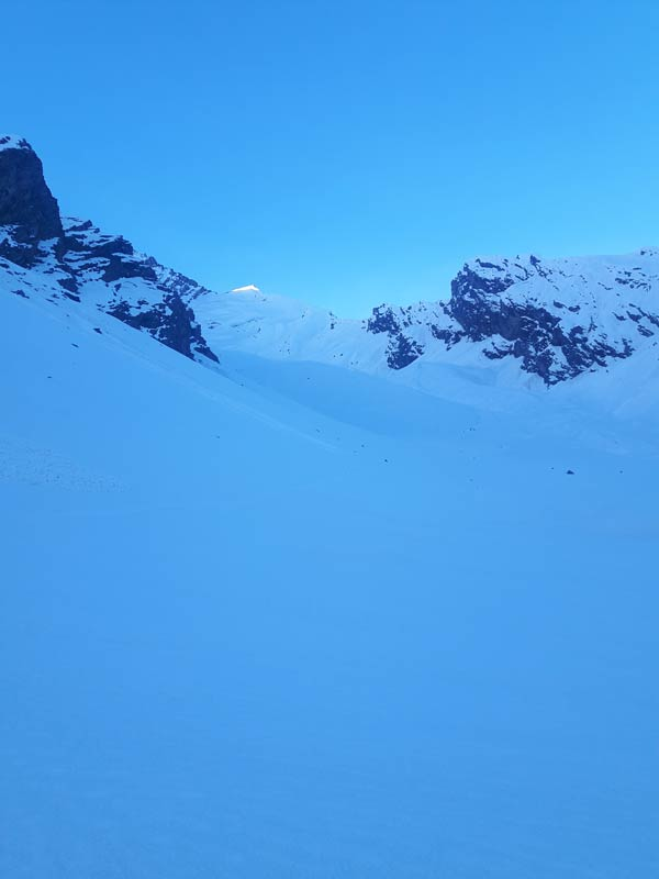 Manali Trekking Friendship Peak Adventure Snow Sheti Dhar