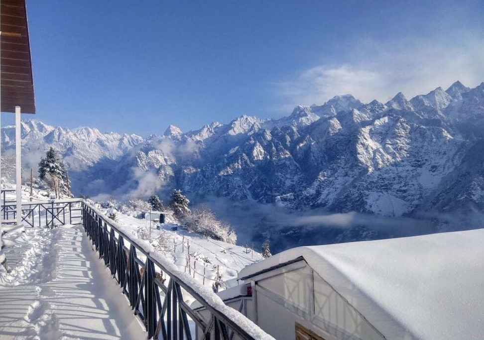 Auli Skiing Course Winter Adventure Uttarakhand The Great Next