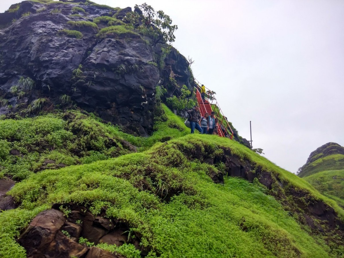 Sondai Fort Karjat Mumbai Maharashtra Easy Beginner Trekking The Great Next