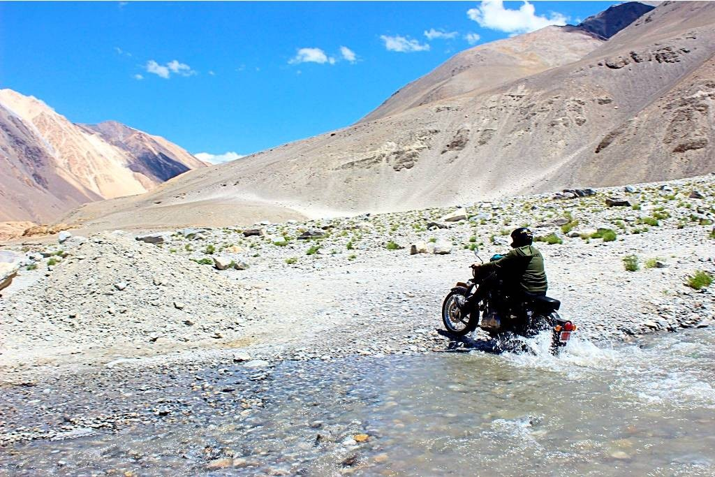 Motorbiking Motorcycling Ladakh Leh Pangong Nubra Valley Batalik Kargil Lake Mountain Pass  Mountains The Great Next